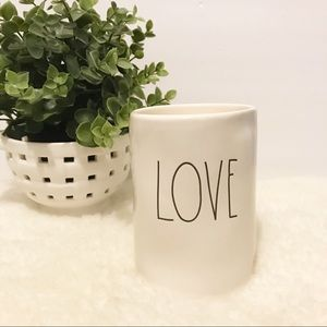 "NEW Rae Dunn ""love"" scented candle"